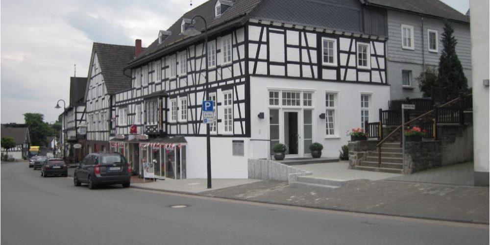 Öffnungszeiten-Hallenberg